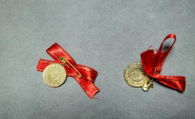 Bursa'da '10 liraya çeyrek altın' isyan ettirdi! Kuyumcuda gerçeği öğreniyorlar
