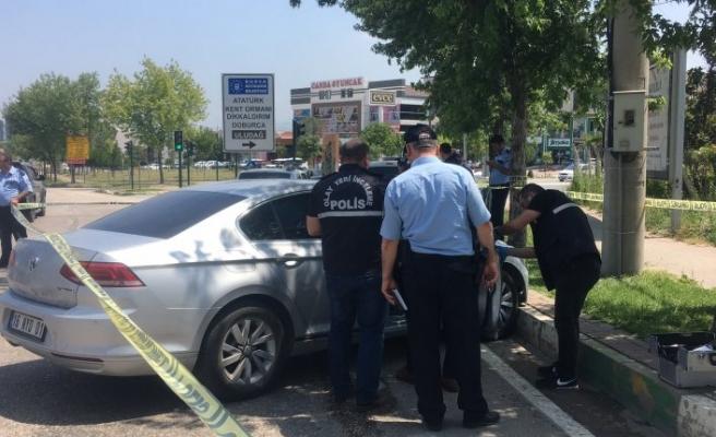 Bursa'da ünlü tatlıcıya silahlı saldırı! Başından vuruldu