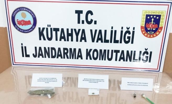 Jandarmadan uyuşturucu operasyonu! Bursa'dan yola çıktı, Kütahya'da yakayı ele verdi