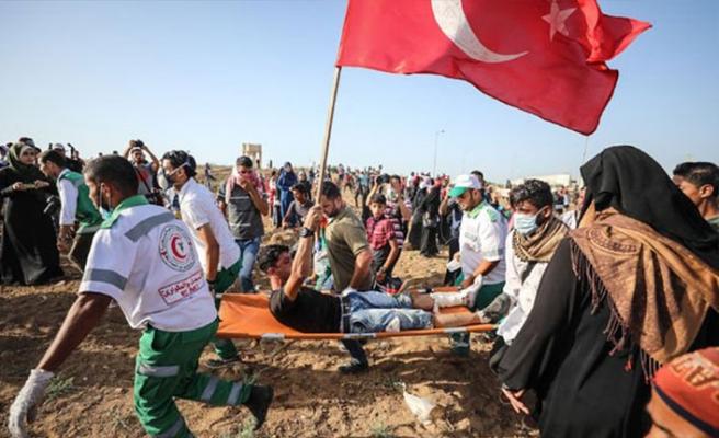 Vuruldu ama Türk bayrağını elinden bırakmadı!