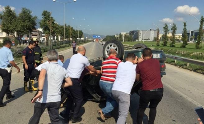 Bursa'da bu araçtan sağ çıktı! Yaralı hurdaya dönen otomobilini inceledi