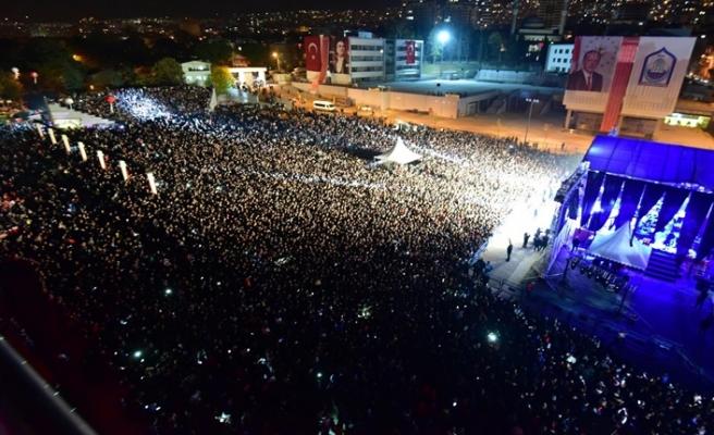 Bursa'da Cumhuriyet coşkusu konserlerle zirveye ulaştı