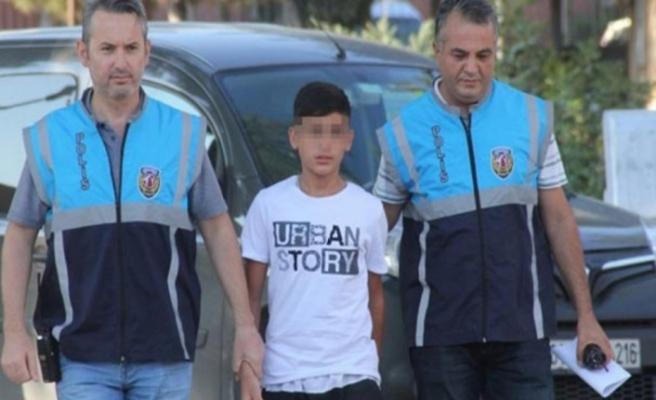14 yaşındaki oğullarını 'katil' yaptılar!