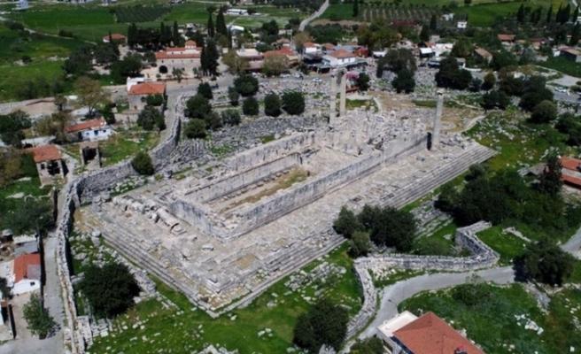 Apollon Tapınağı batıyor