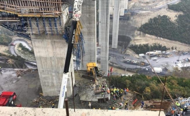 Facia! Beton blok işçilerin üzerine düştü!