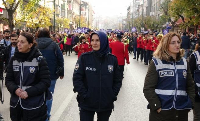 Bursa'daki yürüyüşte dikkat çeken detay