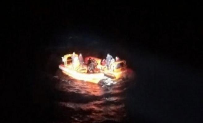 Mültecileri taşıyan tekne battı!