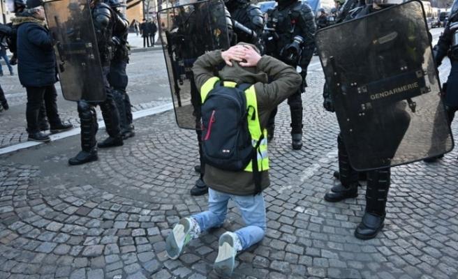 Fransa'da müdahale başladı! Yüzlerce kişi gözaltına alındı