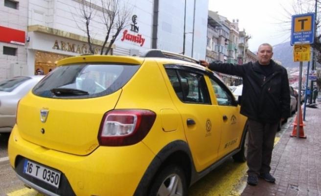 Bursa'da takside binlerce lirasını unuttu!