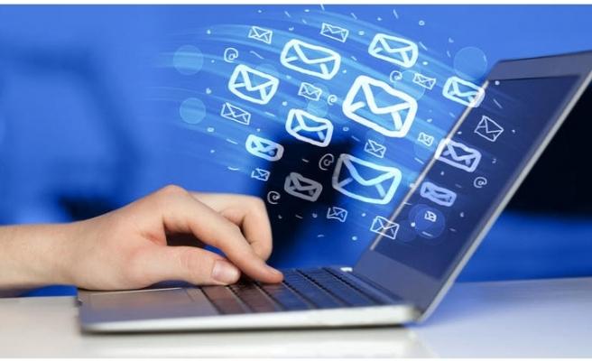 Tehlike kapıda... Milyonlarca e-mail adresi internete sızdı!