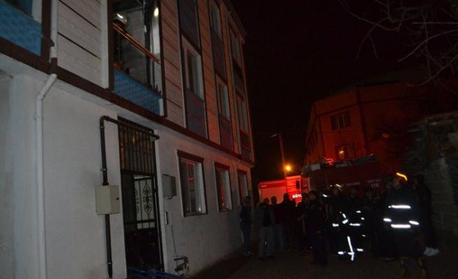 Bursa'da korku dolu saatler! Tüm daireyi sardı
