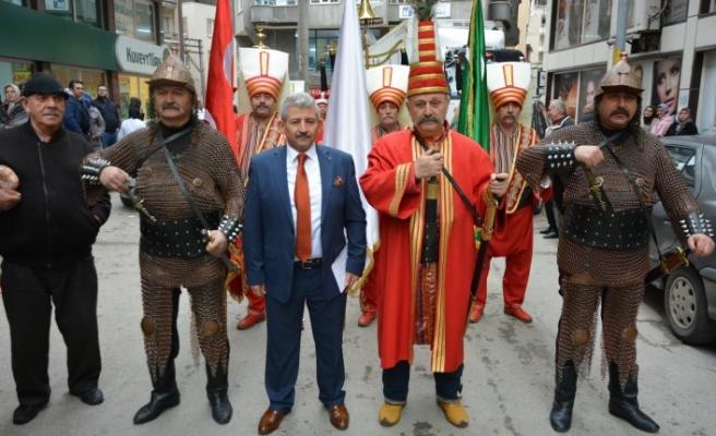 Bursa'da muhtar adayından mehter takımı ile gövde gösterisi!