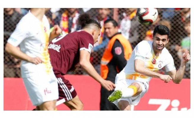 Galatasaray, yarı finale ecel terleri dökerek çıktı!