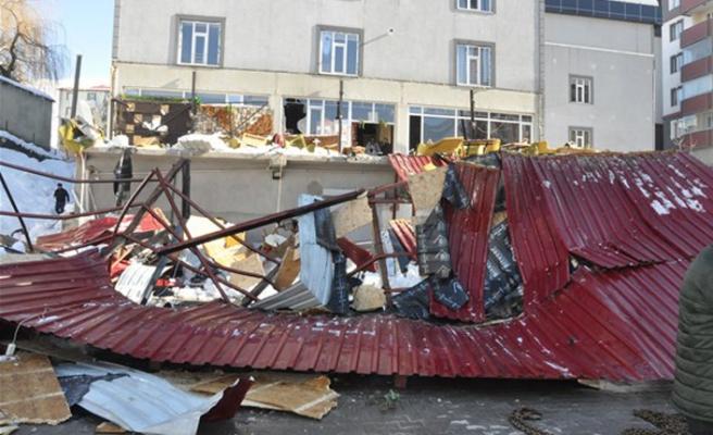 Kafenin çatısı çöktü: 1 ölü 7 yaralı