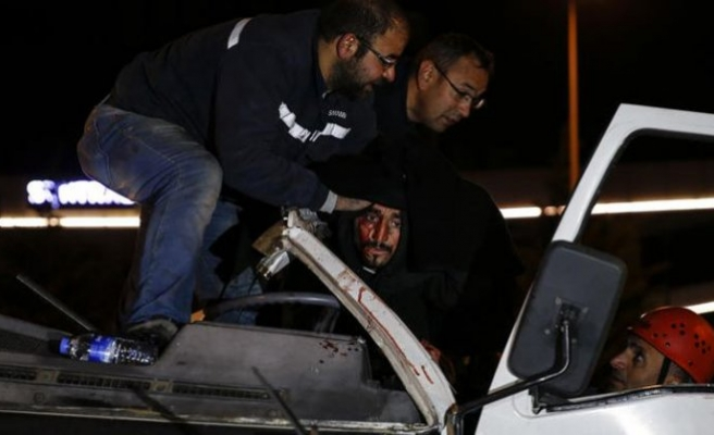 Ankara'da feci kaza... Ölümden döndü!