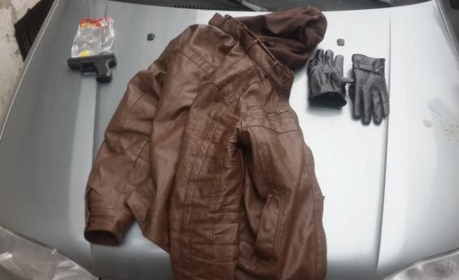 Bursa'da PTT soyguncusunun silahı oyuncak çıktı