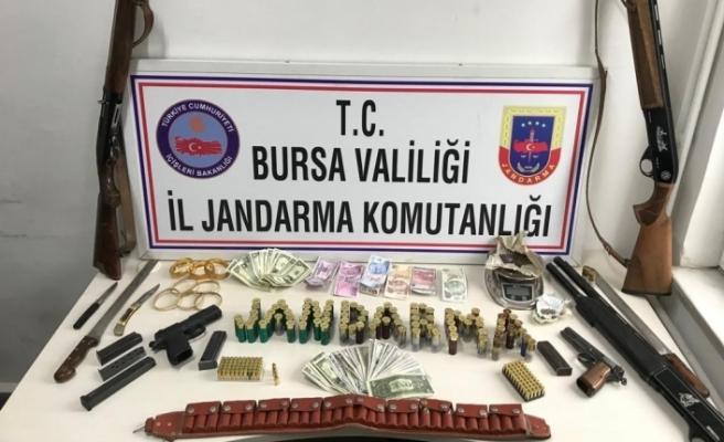Bursa'da yakalandı! Üstünden cephane çıktı
