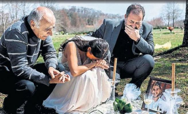 En acı düğün resmi...