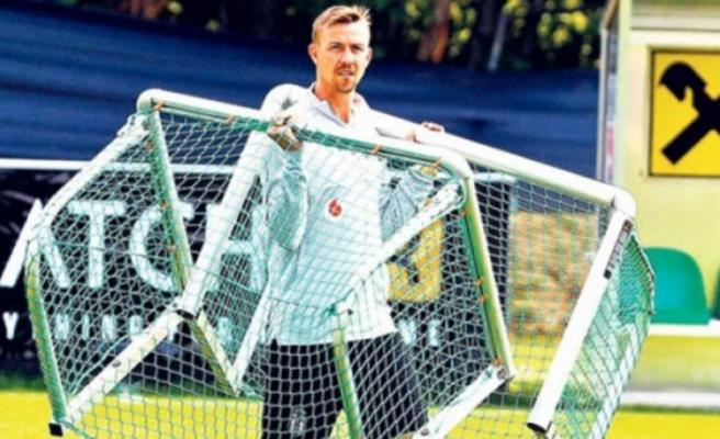 Guti, Beşiktaş'ta görevi devralıyor
