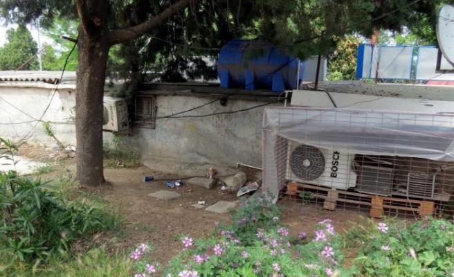 Bursa'da halı sahadan boşalan alana tinerciler yerleşti