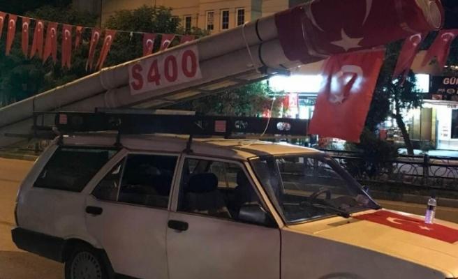 Bursa'da aracın üzerinde S 400 maketini görenler gözlerine inanamadı