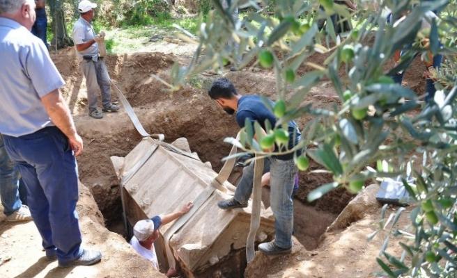 Bursa'da Roma dönemine ait mezar açıldı! İçinden...