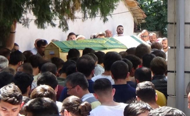 İstanbul Boğazı'nda boğulan genç Bursa'da toprağa verildi!