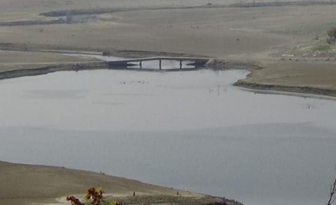 Bursa'da baraj suyu çekildi, eski köprü gün yüzüne çıktı!