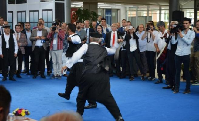 Bursa'da birbirlerine urganlarla vurdular, herkes bakakaldı