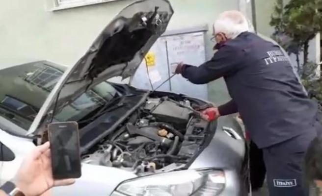 Bursa'da satın aldığı otomobilin kaputunu açınca hayatının şokunu yaşadı!