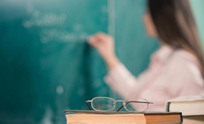 Sözleşmeli öğretmenler kadroya alınmaya başlandı, maaşları belli oldu