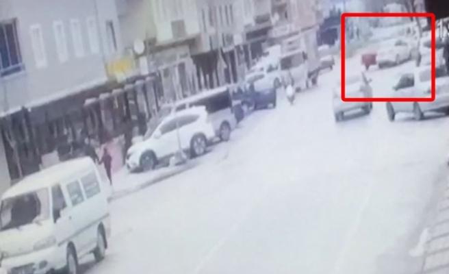 Bursa'da iki otomobil kafa kafaya çarpıştı