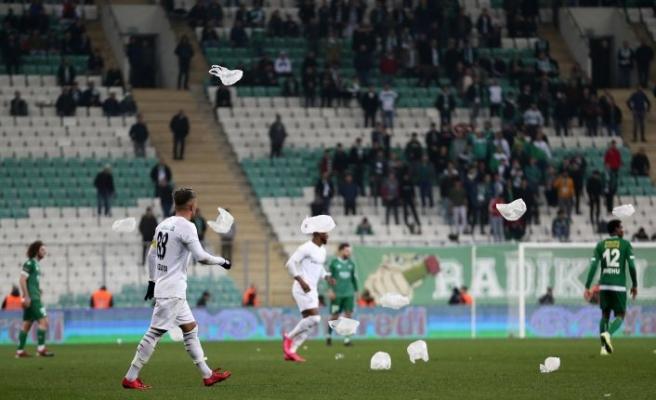 Bursaspor-Altay maçında davetsiz misafir