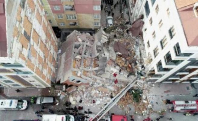 Çöken binayla ilgili merak edilen o soruya belediyeden yanıt!
