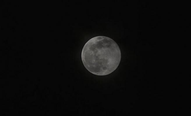 Süper Ay tutulması İstanbulluları büyüledi