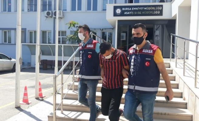 Bursa'da 51 suçtan kaydı bulunan kapkaççıyı elindeki yara bandı yakalattı