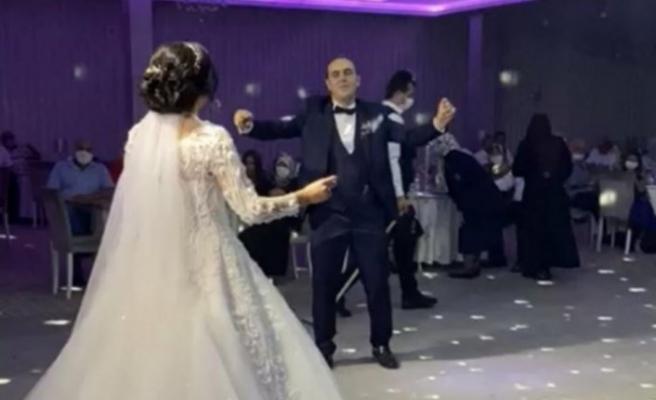 Bursa'da gelin damat 1 metreden fazla yaklaşmadı