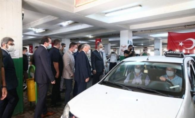 Bursa'da mesafe kuralına uymayan yolcuya başkan şoku