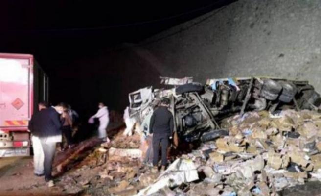 Dinamit yüklü kamyon kaza yaptı! İki kişi öldü...