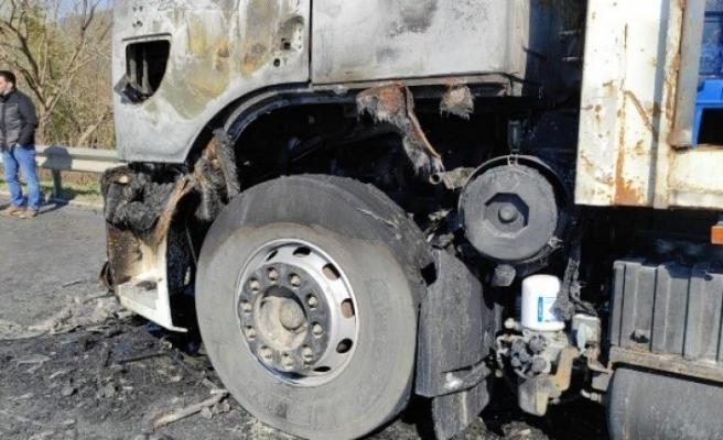 Bursa'da su kamyonu alev topuna döndü