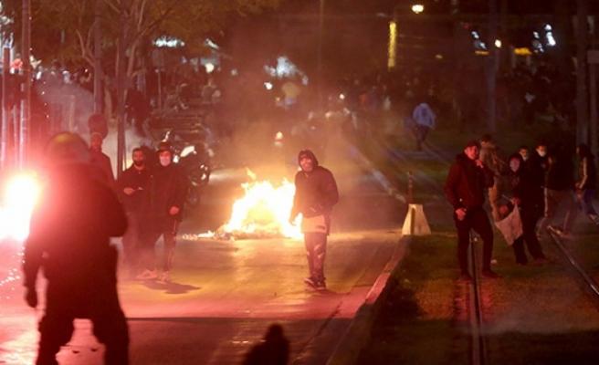 Atina sokakları savaş alanına döndü
