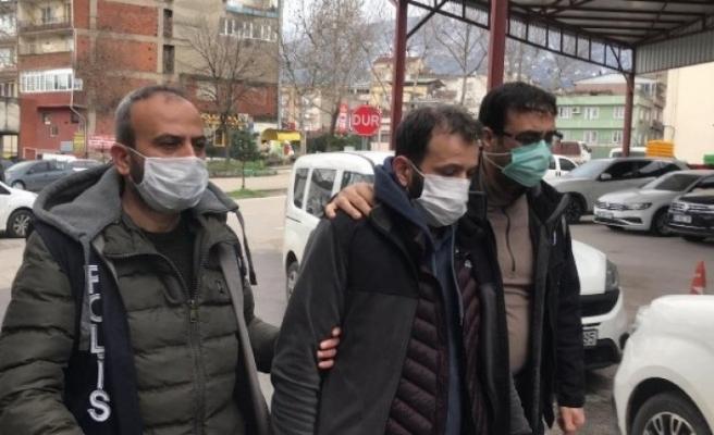 Bursa'da kaçak sigara üretim tesisine polis baskını