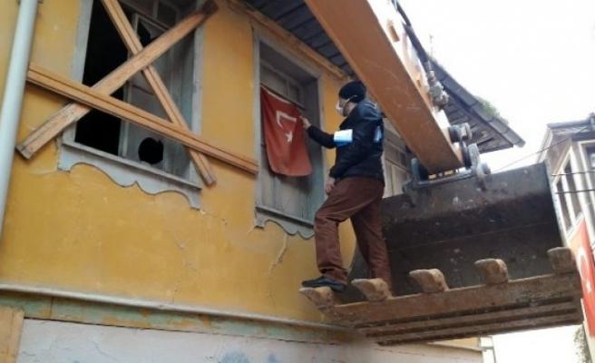 Bursa Osmangazi'de metrûk binalara karşı kararlı mücadele