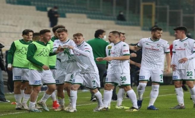 Bursaspor'un golcü ismi Burak Kapacak cezalı duruma düştü