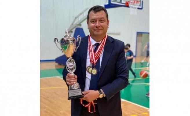 Bursaspor Yedek Yönetim Kurulu Üyesi Özgen Karadayı'dan istifa açıklaması