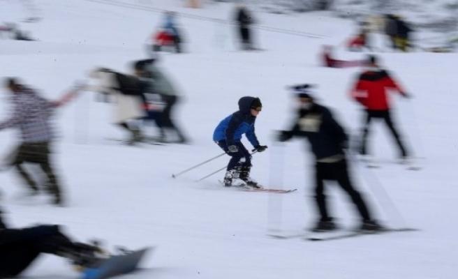 Uludağ'da kar kalınlığı 140 santimetreye yükseldi