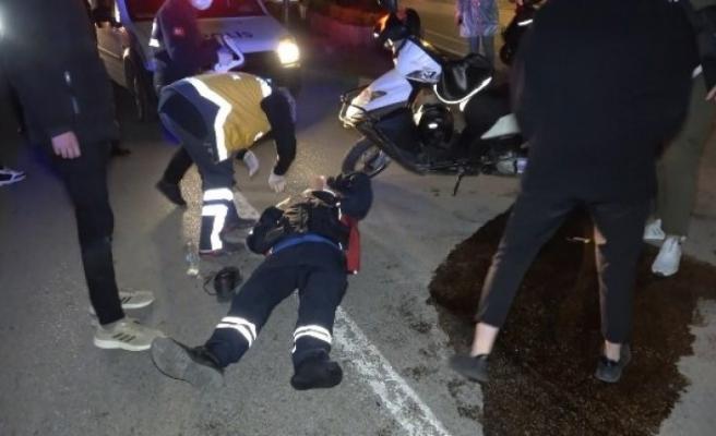 Bursa'da kısıtlama saatinde moto kuryeler çarpıştı! 1 yaralı