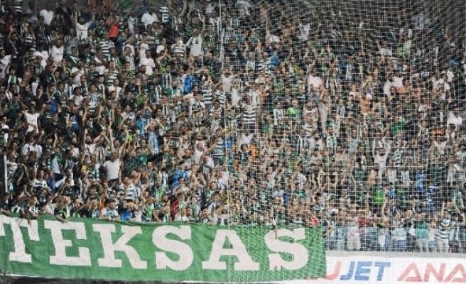 Bursaspor taraftar grubundan Başkan Erkan Kamat'a sert mesaj