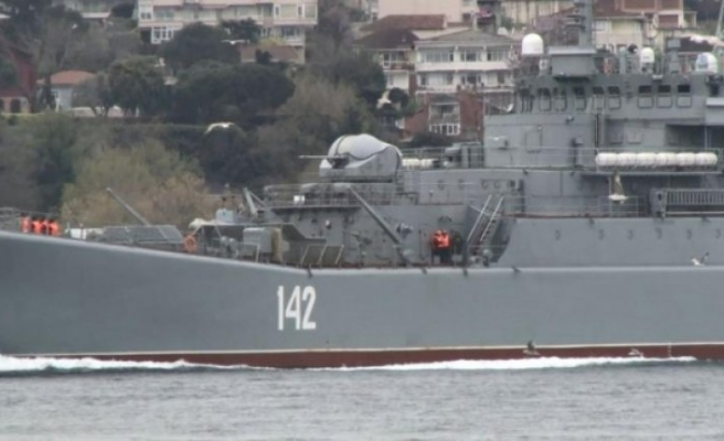 Rus savaş gemisi Novocherkassk, İstanbul Boğazı'ndan geçti!