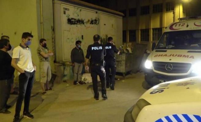 Bursa'da darp edilip parası alınan evsiz adama polis şefkati